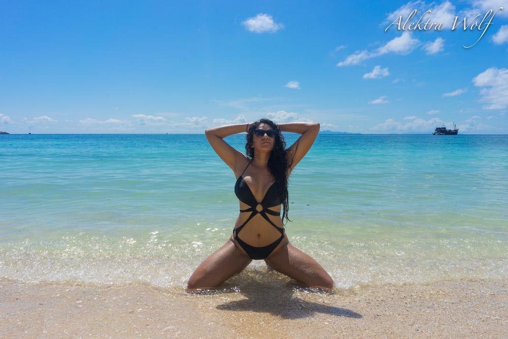 alektra wolf beach photo